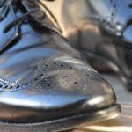 仕事で使う革靴は何足必要? ビジネスシューズを履き回す